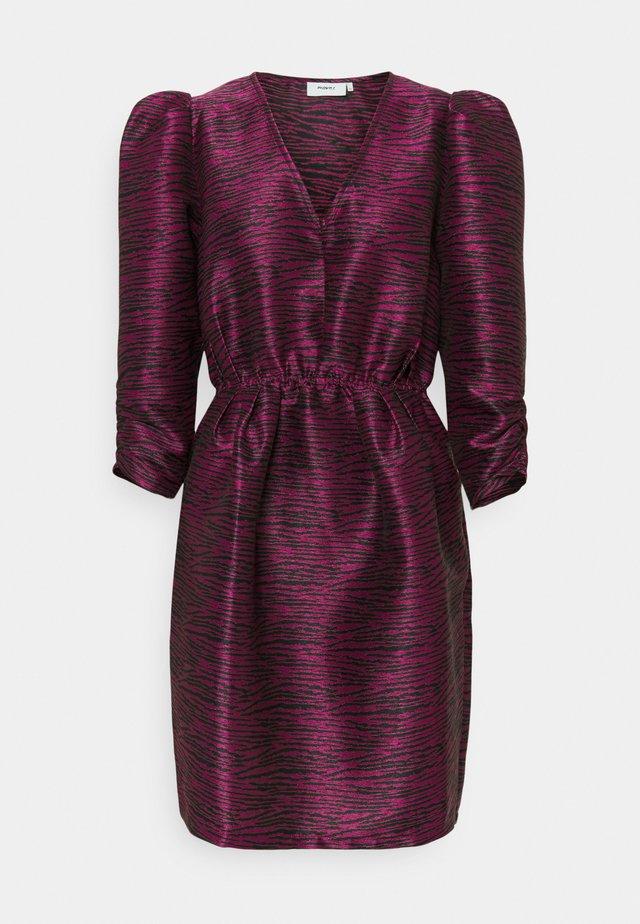 WILLAS - Vapaa-ajan mekko - pink violet