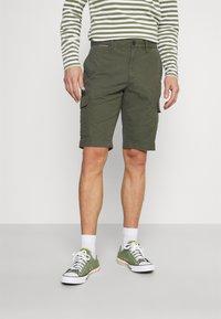 Tommy Hilfiger - JOHN CARGO - Shorts - army green - 0