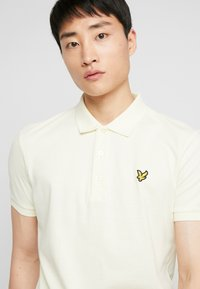 Lyle & Scott - Piké - buttercream - 3
