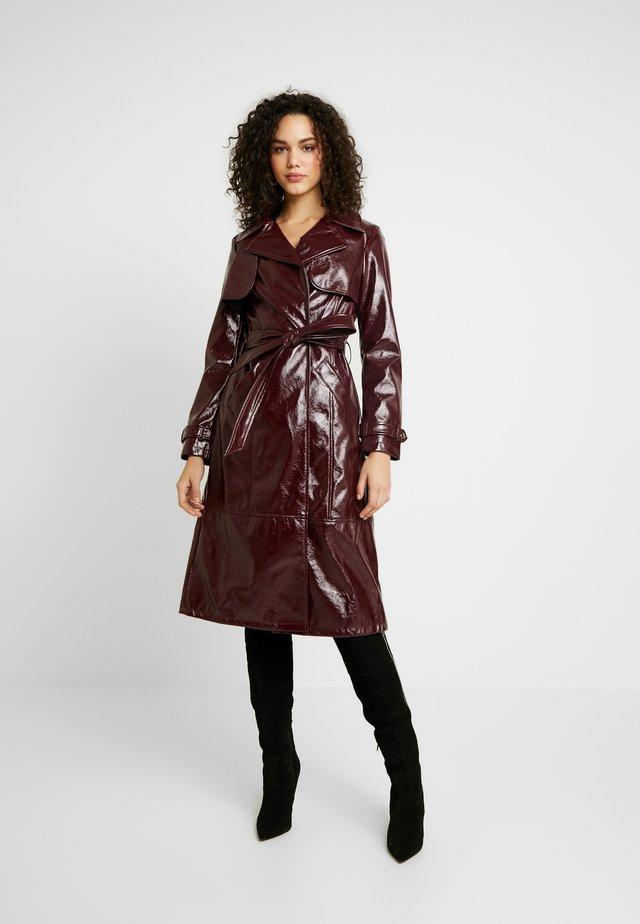 Classic coat - berry