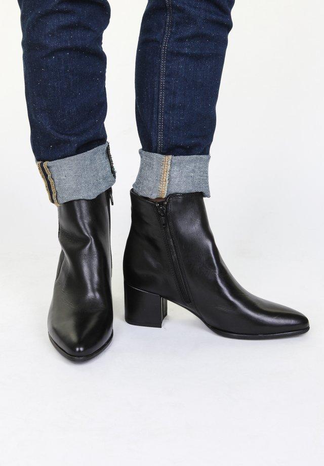 TREND - Boots à talons - black