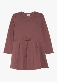 Fred's World by GREEN COTTON - STAR BOW DRESS - Žerzejové šaty - dark rose - 0