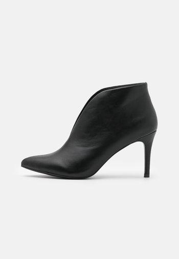 CORFU - Bridal shoes - black
