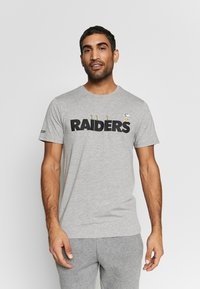 New Era - NFL SNOOPY TEE OAKLAND RAIDERS - T-shirts print - gray - 0