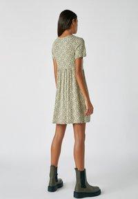 PULL&BEAR - Denní šaty - mottled dark green - 2