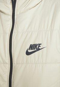 Nike Sportswear - CORE - Zimní kabát - stone/white - 6