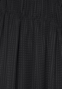 Victoria Beckham - LONG SLEEVE SMOCKED MIDI - Denní šaty - black - 9