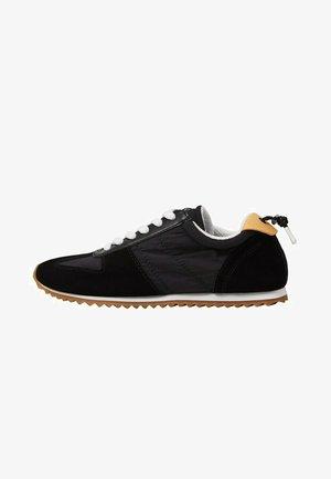 Sneakers laag - svart