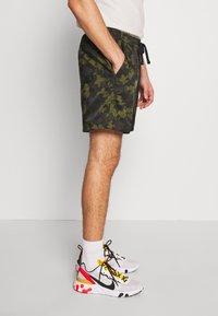 Nike Sportswear - FLOW  - Shorts - legion green/black/treeline - 3