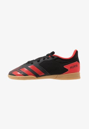 PREDATOR 20.4 IN SALA - Botas de fútbol sin tacos - core black/active red