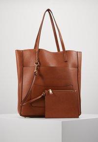 Steve Madden - BKIMMY SET - Tote bag - cognac - 5