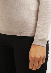 More & More - Sweter - light camelmelange - 5