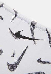 Nike Performance - REVERSIBLE NECK WARMER 2.0 UNISEX - Schal - black/black/white - 2