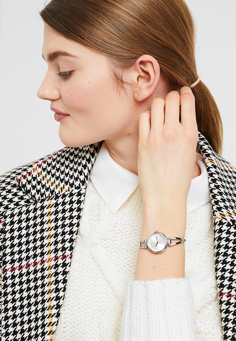 DKNY - CROSSWALK - Reloj - silver-coloured