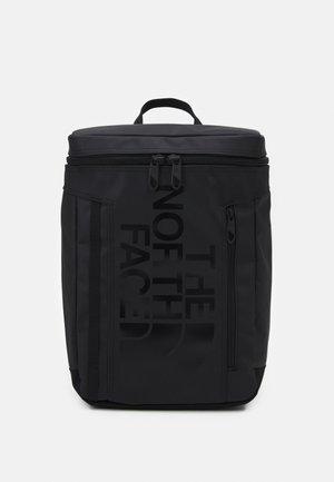 BASE CAMP FUSE BOX UNISEX - Ryggsäck - black