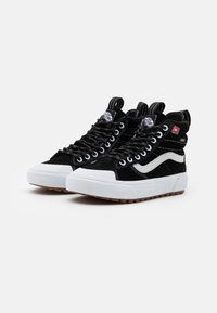 Vans - SK8 MTE 2.0 DX UNISEX - Sneakersy wysokie - black/true white - 1