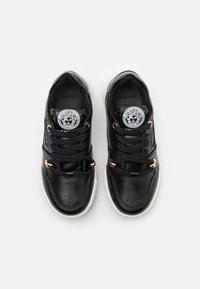 Versace - UNISEX - Trainers - black/gold - 3