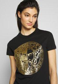 Versace Jeans Couture - LADY DRESS - Vestito estivo - black/gold - 3