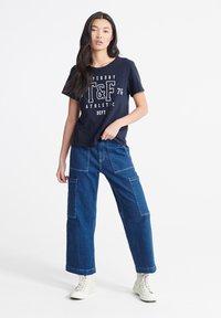 Superdry - TRACK & FIELD  - Print T-shirt - navy - 1