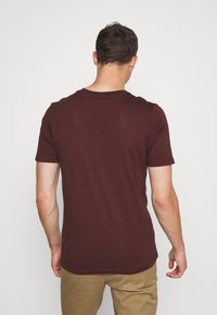 Selected Homme - SHDTHEPERFECT ONECK TEE - T-shirt con stampa - black - 2