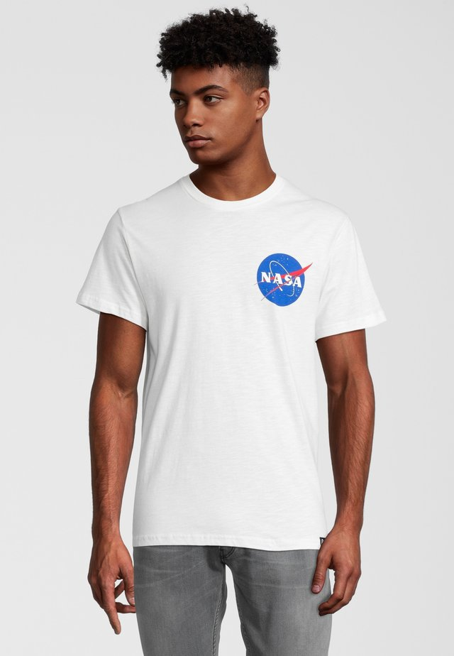 NASA POCKET LOGO - Printtipaita - weiß