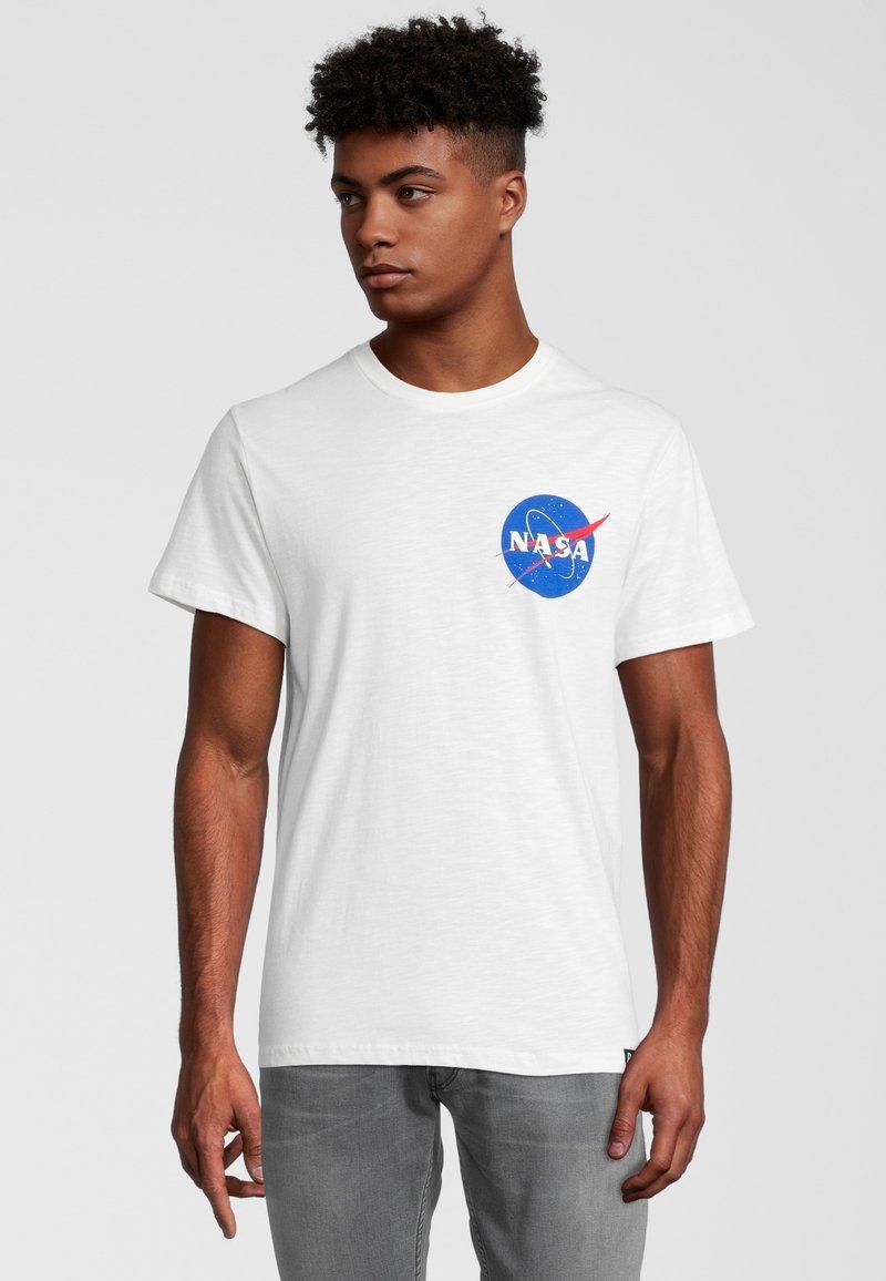 Re:Covered - NASA POCKET LOGO - T-shirt print - weiß
