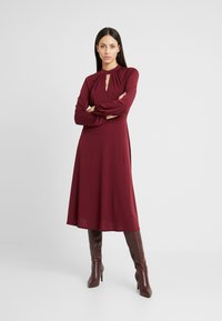 Wallis Tall - HIGH NECK KEYHOLE DRESS - Sukienka z dżerseju - purple - 2