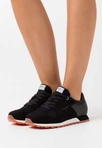 Pepe Jeans - VERONA FULL SEQUINS - Trainers - black - 0