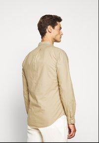Polo Ralph Lauren - SLIM FIT OXFORD SHIRT - Shirt - surrey tan - 2