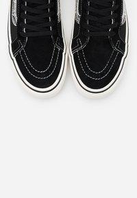 Vans - SK8 REISSUE  - Skate shoes - black - 5