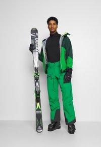 CMP - MAN JACKET HOOD - Ski jas - green - 1