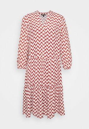 TIRED DRESS GRAPHIC PRINT - Day dress - terracotta