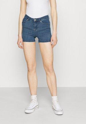 ONLPOWER LIFE MID PUSHUP   - Denim shorts - light blue denim