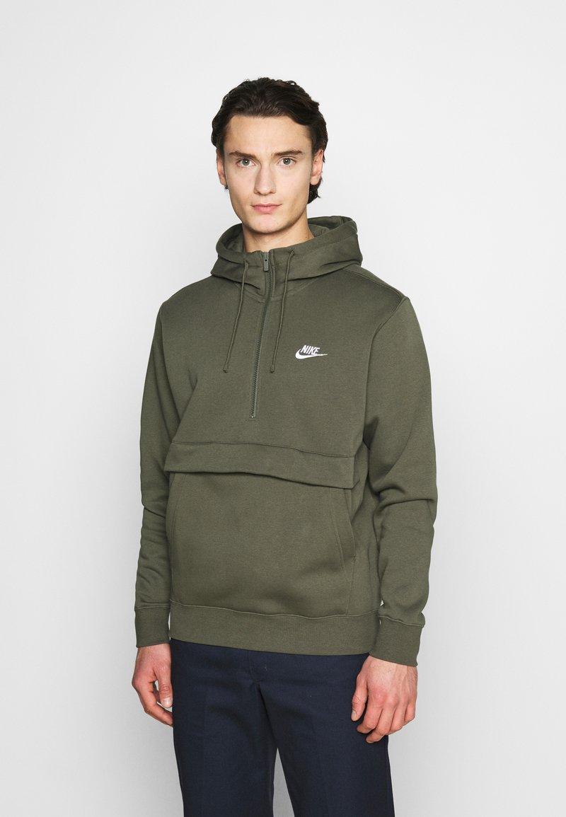 Nike Sportswear - CLUB HOODIE - Hoodie - twilight marsh