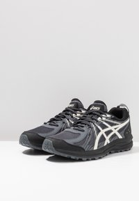 ASICS - FREQUENT TRAIL - Trail running shoes - black/birch - 3