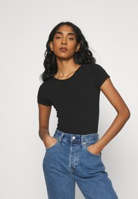 Hollister Co. - STRAPPY TIE BACK - Print T-shirt - black - 0