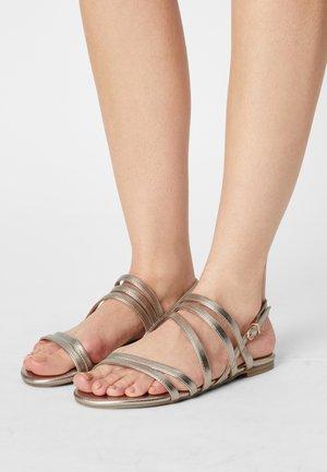 Sandals - light gold