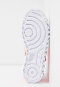 Nike Sportswear - AF1 JESTER - Trainers - white/hyper crimson - 6