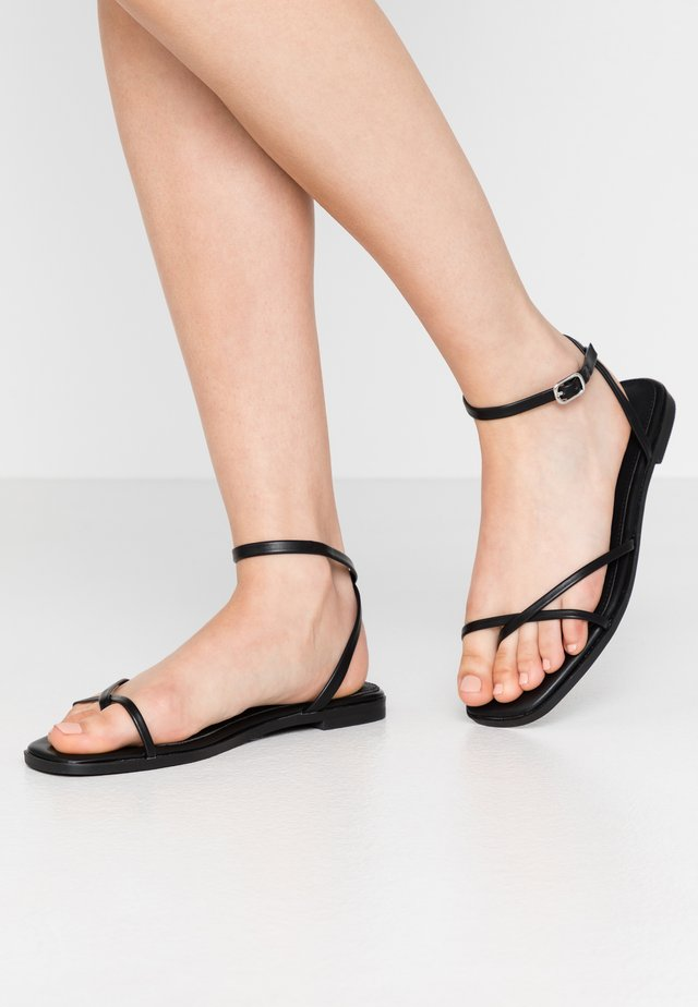 WIDE FIT CANYON - Teensandalen - black