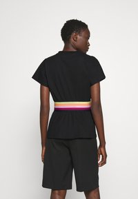 KARL LAGERFELD - RIB INSERT  - T-shirt imprimé - black - 2