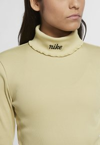 Nike Sportswear - Long sleeved top - tea tree mist - 3