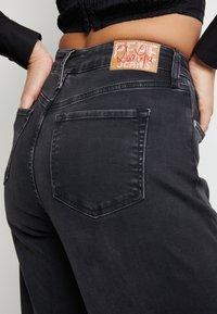 Pepe Jeans - DUA LIPA X PEPE JEANS - Straight leg jeans - grey denim - 4
