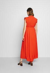 Pomkin - BEATRIZ - Maxi šaty - coral - 2
