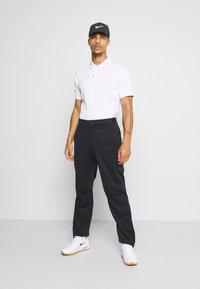 Nike Golf - HYPERSHIELD PANT - Kalhoty - black/dark smoke grey - 1