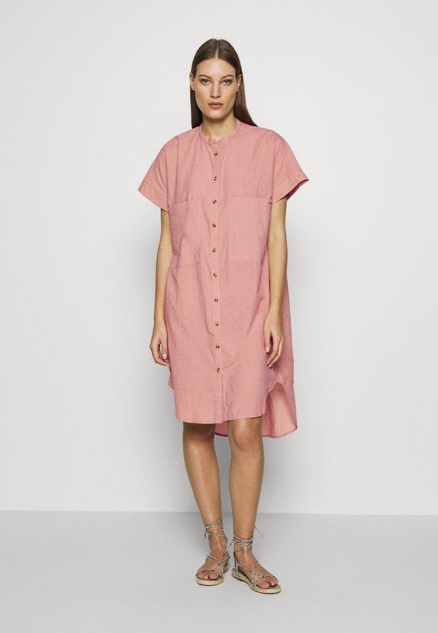PEGGY  - Shirt dress - roebuck
