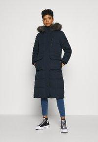 Superdry - LONGLINE FAUX FUR EVEREST COAT - Winter coat - eclipse navy - 0