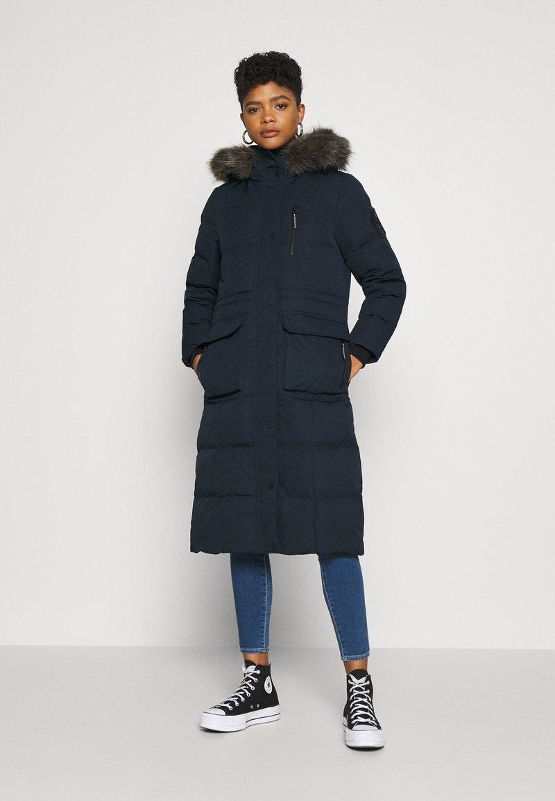 Superdry - LONGLINE FAUX FUR EVEREST COAT - Winter coat - eclipse navy