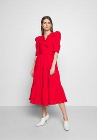 Hofmann Copenhagen - CIARA - Koktejlové šaty/ šaty na párty - fiery red - 0