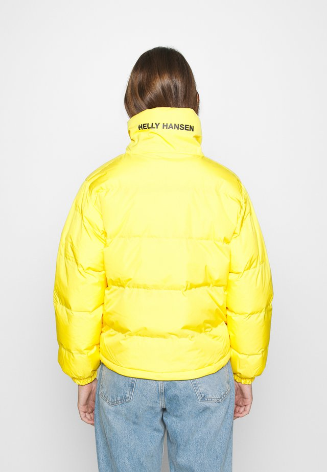 URBAN REVERSIBLE JACKET - Chaqueta de invierno - young yellow