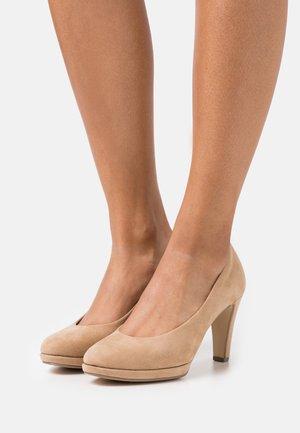 High heels - caramel